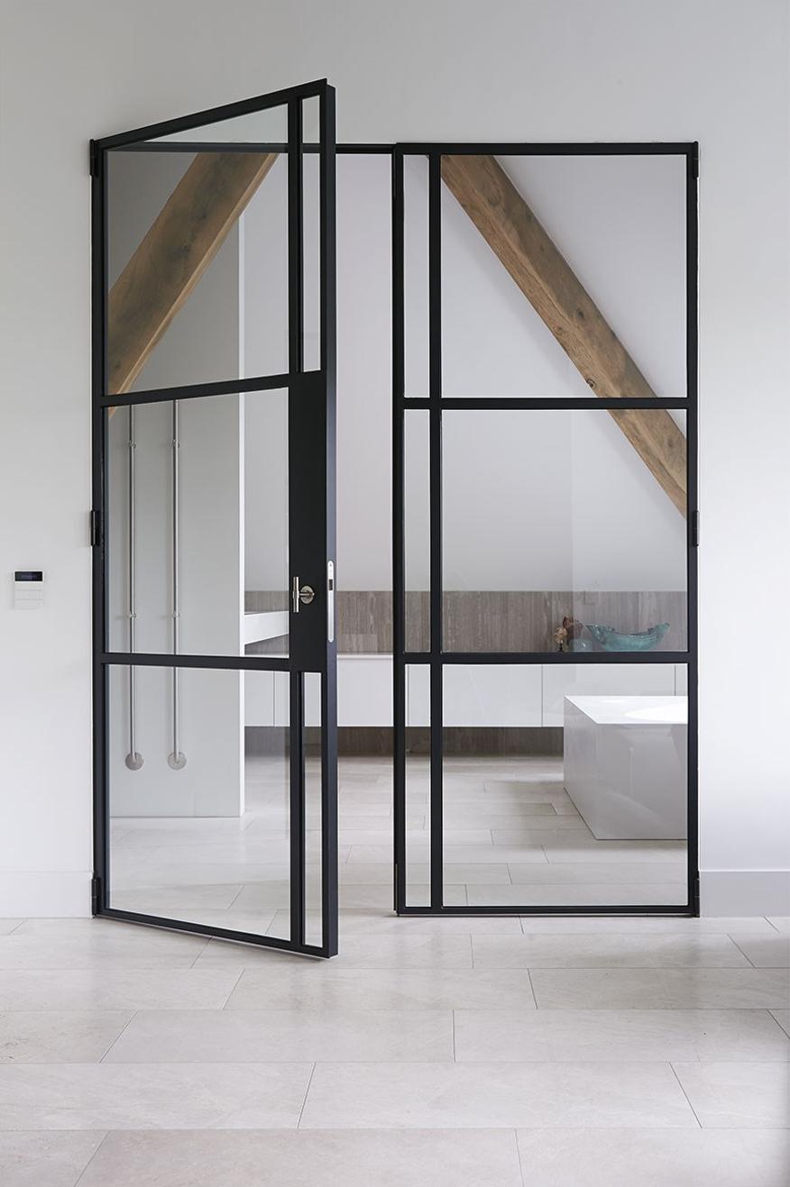 Nieuwbouw stolpboerderij – Interieur stalen binnendeuren