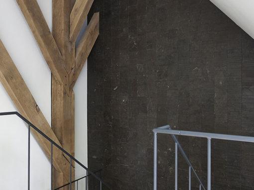 Nieuwbouw stolpboerderij – Interieur trappenhuis